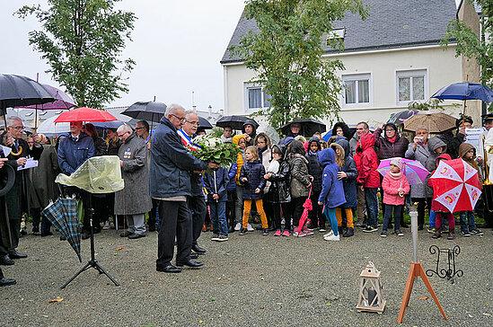 Cérémonie de commémoration à Sainte-Gemmes-sur-Loire.
