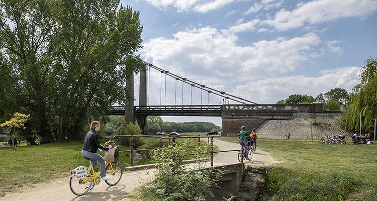 Photo du pont e Bouchemaine.