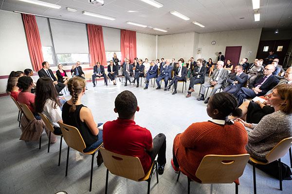 Rencontre entre le ministre Jacques Mézard et des collégiens et lycéens angevins.